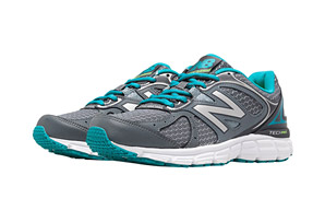 New Balance 560 v6 Shoes - Women's